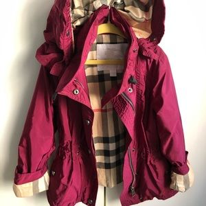 Burberry girls trench coat size 5
